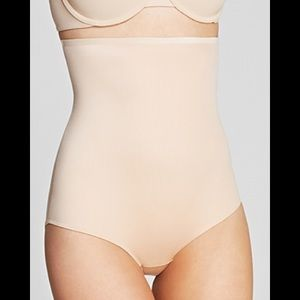 NWT SPANX Hide & Sleek High-Waisted Panty